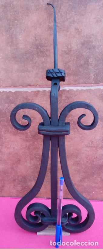Antigüedades: ALDABA DE FORJA S. XVIII. GRAN TAMAÑO.- 31 CMS LONGUITUD. PROCEDE DE CASA SOLARIEGA DE CÓRDOBA. - Foto 6 - 186263210