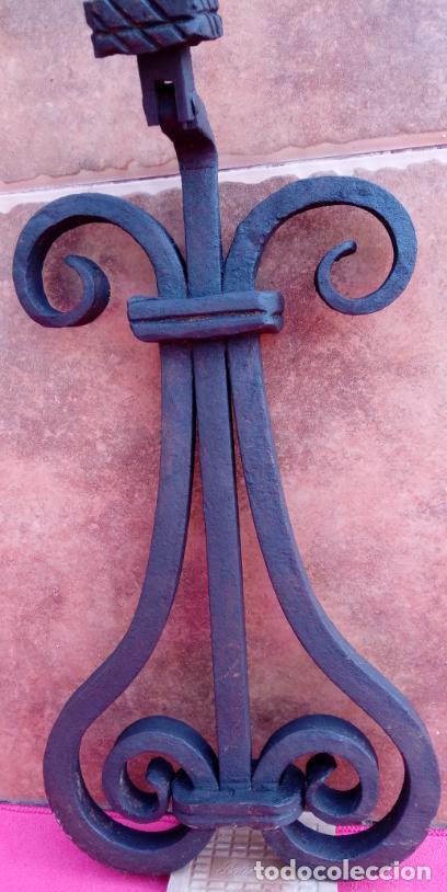 Antigüedades: ALDABA DE FORJA S. XVIII. GRAN TAMAÑO.- 31 CMS LONGUITUD. PROCEDE DE CASA SOLARIEGA DE CÓRDOBA. - Foto 8 - 186263210