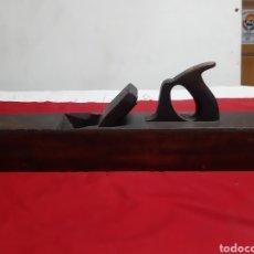 Antigüedades: ANTIGUA GARLOPA DE CARPINTERO. Lote 186341785