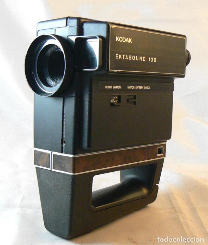 Antigüedades: Antigua cámara tomavistas de cine Super 8 sonora Kodak Ektasound 130 - Foto 3 - 186348062