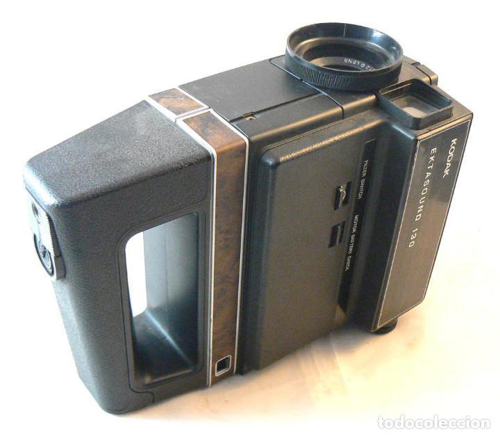 Antigüedades: Antigua cámara tomavistas de cine Super 8 sonora Kodak Ektasound 130 - Foto 4 - 186348062