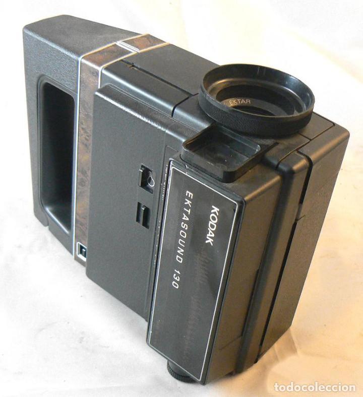 Antigüedades: Antigua cámara tomavistas de cine Super 8 sonora Kodak Ektasound 130 - Foto 7 - 186348062