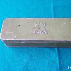 Antigüedades: CAJA METAL MAQUINAS DE COSER ALFA (VACIA). Lote 186359308