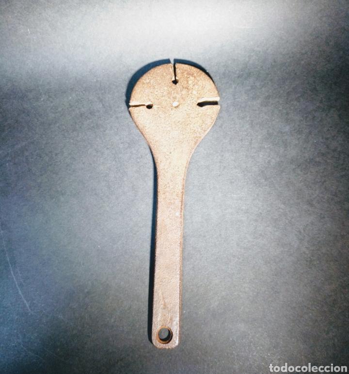 Antigüedades: Antigua herramienta de forja para calibrar grosores - Foto 2 - 186367948