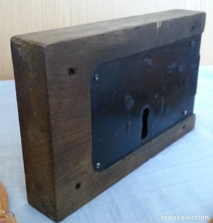 Antigüedades: Cerradura encastrada en madera. Años 60 - Foto 4 - 187089726