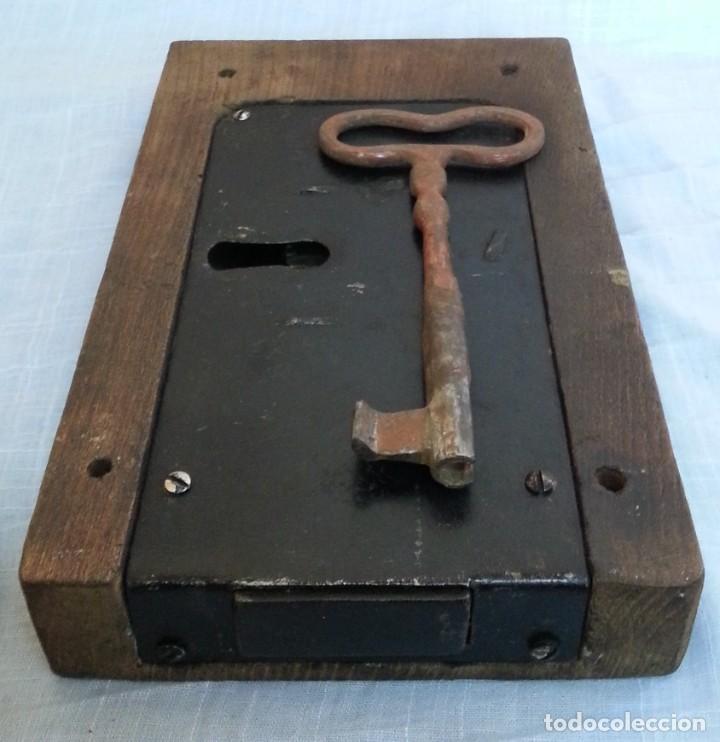 Antigüedades: Cerradura encastrada en madera. Años 60 - Foto 6 - 187089726