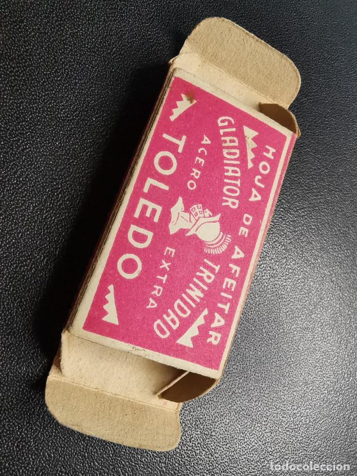 Antigüedades: CAJA ESTUCHE VACIO HOJA DE AFEITAR GLADIATOR TRINIDAD ACERO EXTRA TOLEDO CON TIMBRE ADUANA.. - Foto 12 - 187151360