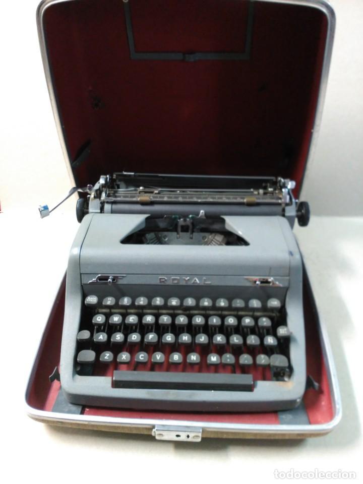 MAQUINA DE ESCRIBIR PORTATIL ROYAL QUIET DE LUXE, NEW YORK, UNITED STATES OF AMERICA (Antigüedades - Técnicas - Máquinas de Escribir Antiguas - Royal)