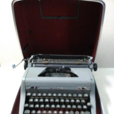 Antigüedades: MAQUINA DE ESCRIBIR PORTATIL ROYAL QUIET DE LUXE, NEW YORK, UNITED STATES OF AMERICA. Lote 187311108