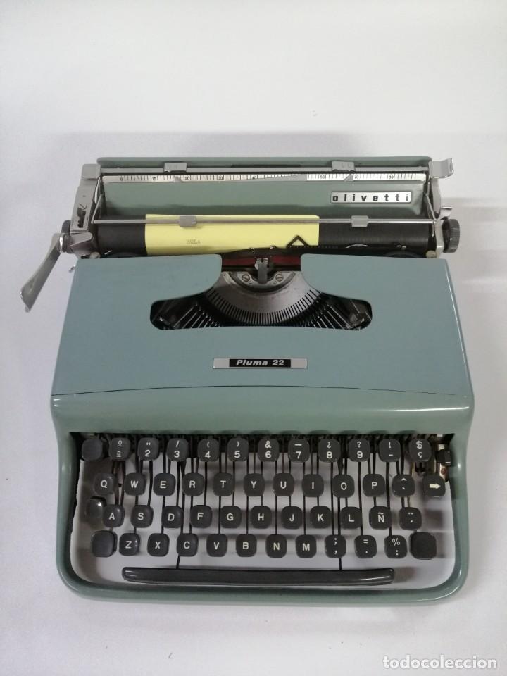 MÁQUINA DE ESCRIBIR OLIVETTI PLUMA 22 (Antigüedades - Técnicas - Máquinas de Escribir Antiguas - Olivetti)
