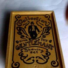 Antigüedades: ANTIGUA CAJA DE MADERA-SHAVING SET-DE HOJAS DE AFEITAR,COLECCTION GENTLEMANS (15CM.X 11CM.X 5CM.). Lote 187505148