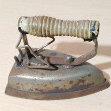 Antigüedades: PLANCHA ELÉCTRICA AÑOS 50/60. Lote 187655640
