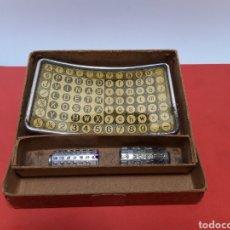Antigüedades: TABLERO TECLADO CON DOS CILINDROS DE MIGNON. Lote 188470165