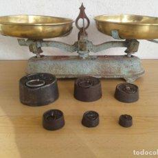 Antigüedades: ANTIGUA BALANZA BASCULA 5KG VULCANO CON PESAS. Lote 188548786