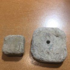 Antigüedades: 2 PIEZAS DE PLOMO ROMANA. Lote 188550916