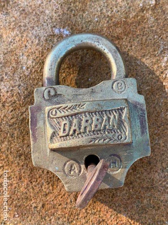 Antigüedades: Antiguo candado. Llave original. Funciona. DARBAN. Modelo dificil - Foto 3 - 188799445