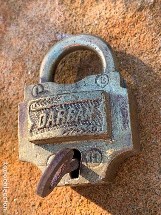 Antigüedades: Antiguo candado. Llave original. Funciona. DARBAN. Modelo dificil - Foto 4 - 188799445