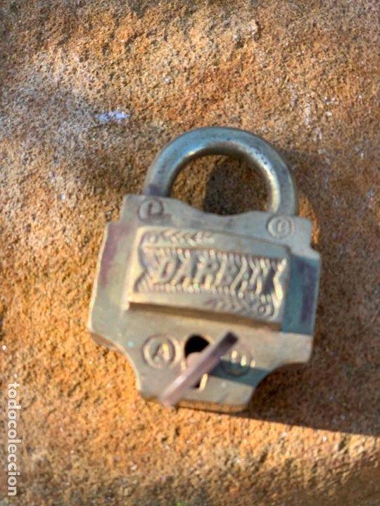 Antigüedades: Antiguo candado. Llave original. Funciona. DARBAN. Modelo dificil - Foto 5 - 188799445