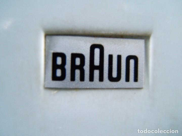 Antigüedades: PROYECTOR DIAPOSITIVAS BRAUN-MADE IN WESTERN GERMANY-OBJETIVO EXTENSIBLE-METALICO-AÑOS 60/70. - Foto 3 - 189275076