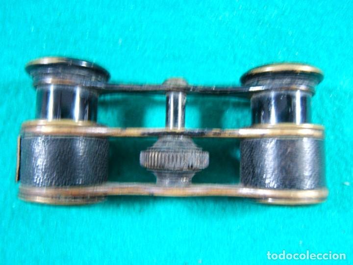 PRISMATICOS BINOCULARES IMPERTINENTES-SIN MARCA-DORADOS Y PIEL NEGRA-9X4X2 CM-PRINCIPIOS SIGLO XX. (Antigüedades - Técnicas - Instrumentos Ópticos - Binoculares Antiguos)