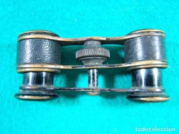 Antigüedades: PRISMATICOS BINOCULARES IMPERTINENTES-SIN MARCA-DORADOS Y PIEL NEGRA-9x4x2 CM-PRINCIPIOS SIGLO XX. - Foto 3 - 189277167