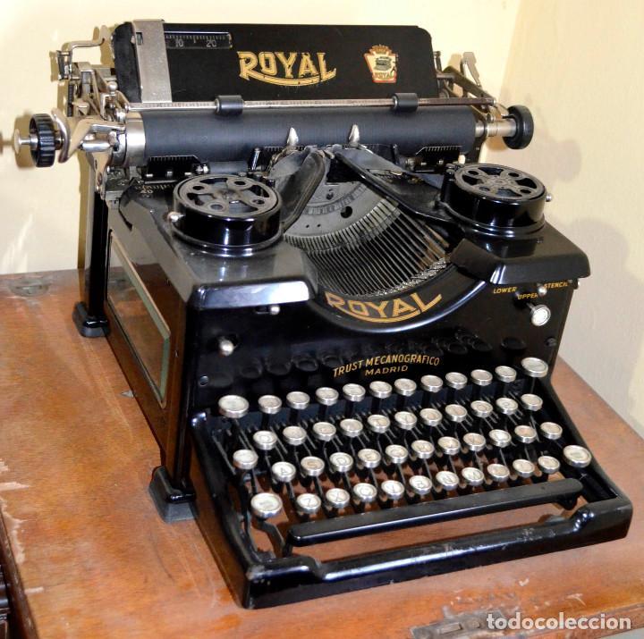 ANTIGUA MÁQUINA ESCRIBIR ROYAL. MUY NUEVA. MUY POCO USO. (Antigüedades - Técnicas - Máquinas de Escribir Antiguas - Royal)