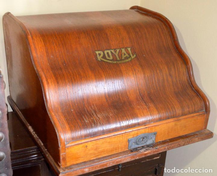 Antigüedades: Antigua máquina escribir ROYAL. Muy nueva. Muy poco uso. - Foto 2 - 189406501