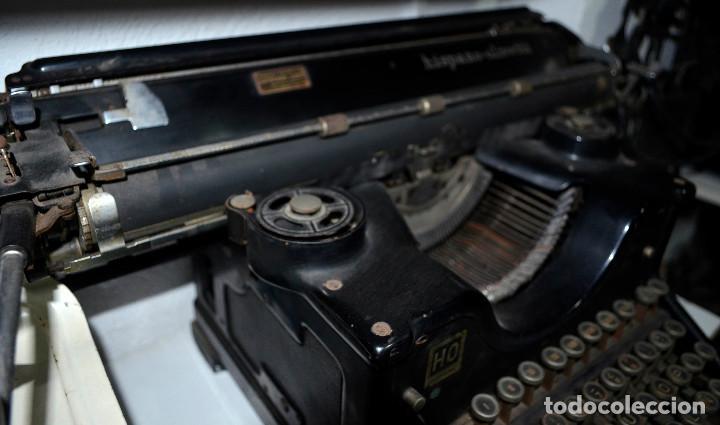 Antigüedades: Antigua máquina escribir Hispano-Olivetti. Carro grande. Funcionando. Recogida local - Foto 3 - 189460171