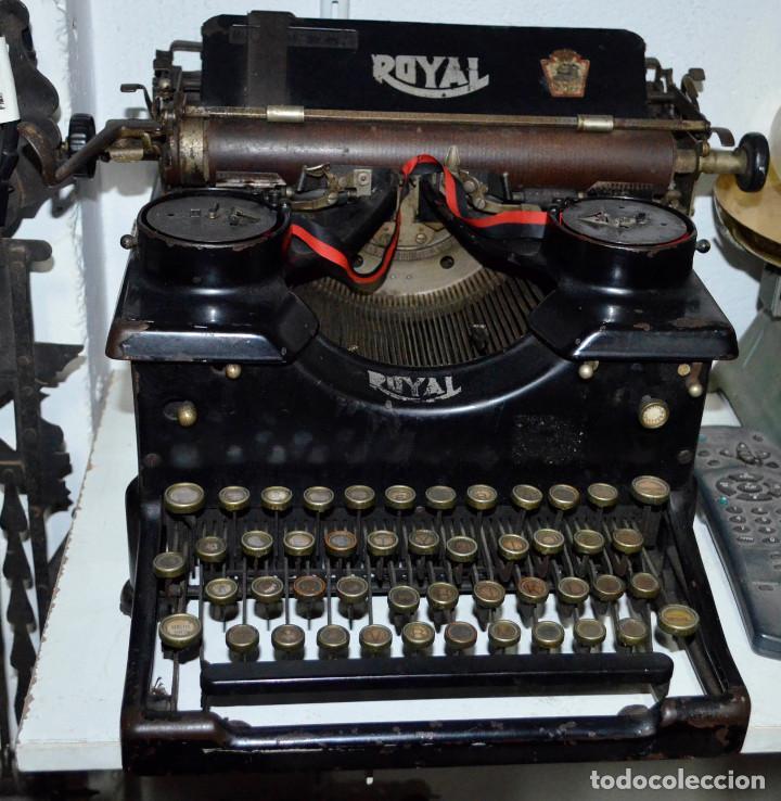 ANTIGUA MÁQUINA ESCRIBIR ROYAL. FUNCIONANDO. RECOGIDA LOCAL (Antigüedades - Técnicas - Máquinas de Escribir Antiguas - Royal)