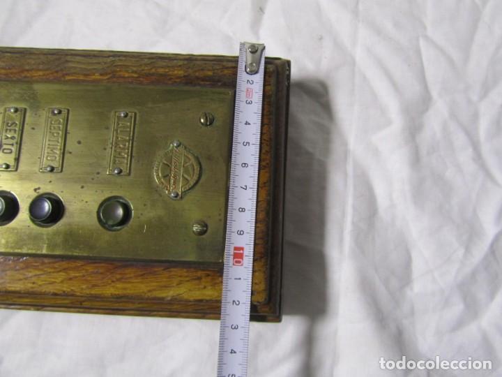 Antigüedades: Cuadro de mando botones ascensor, baquelita, latón y madera, B. Rodriguez - Foto 9 - 189590586