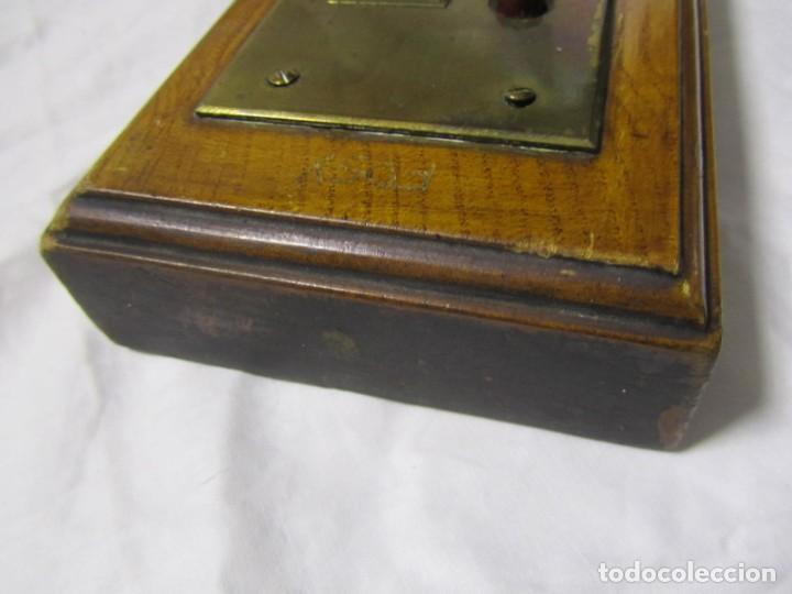 Antigüedades: Cuadro de mando botones ascensor, baquelita, latón y madera, B. Rodriguez - Foto 13 - 189590586