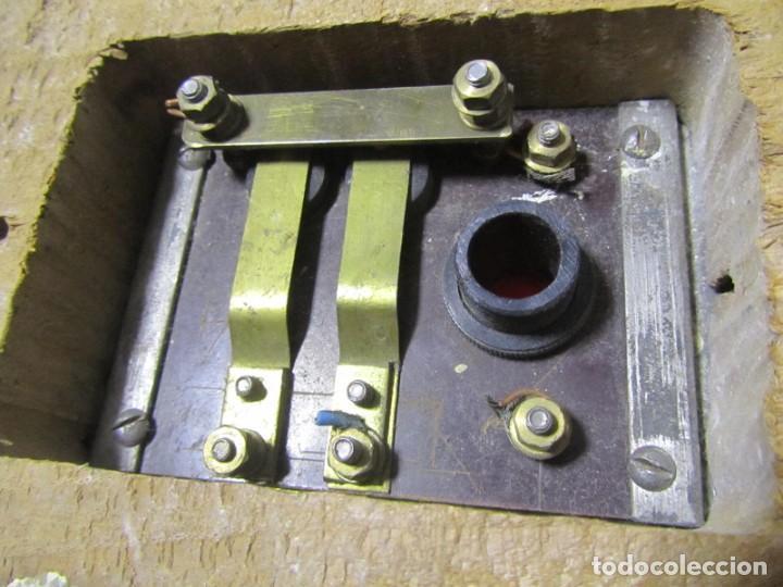 Antigüedades: Cuadro de mando botones ascensor, baquelita, latón y madera, B. Rodriguez - Foto 11 - 189590627