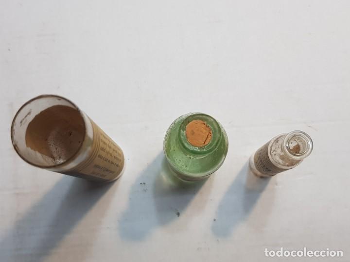 Antigüedades: Farmacia lote 3 medicinas antiguas en envase cristal raros - Foto 2 - 189687431