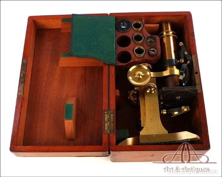 Antigüedades: Rarísimo Microscopio Inglés Antiguo de Latón Pillischer. Inglaterra, Circa 1890 - Foto 3 - 189728966
