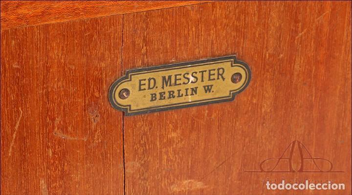 Antigüedades: Antiguo Microscopio Alemán Ed. Messter. Alemania, Circa 1910. - Foto 5 - 189730418