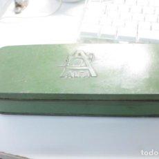 Antiquités: ANTIGUA CAJA CON ACCESORIOS ALFA. Lote 189741782