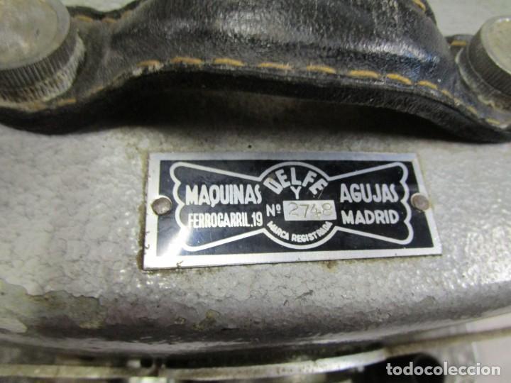 Antigüedades: MAQUINA INDUSTRIAL PARA COSER REPARAR ?? MEDIAS, DELFE ( MADRID ) Nº 2748 + INFO - Foto 5 - 189781720