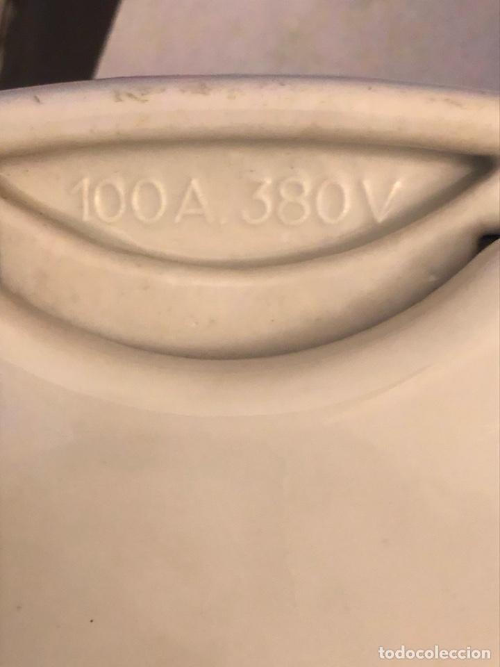 Antigüedades: Lote de 2 fusibles y un interruptor antiguos, porcelana - Foto 4 - 189786078