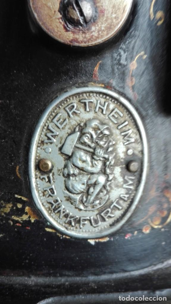 Antigüedades: Máquina de coser antigua Wertheim - Foto 2 - 189816216