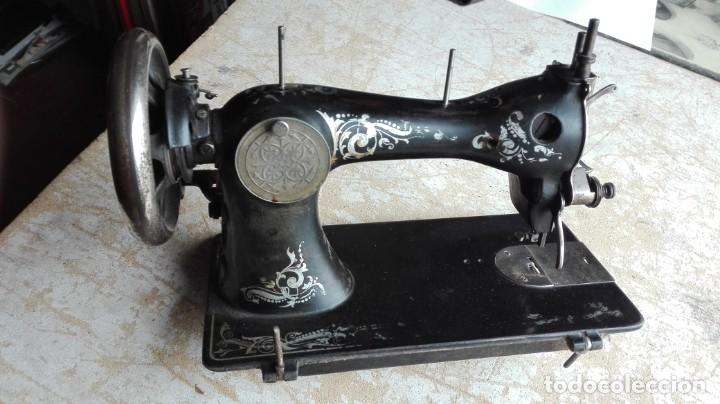 Antigüedades: Máquina de coser antigua Wertheim - Foto 4 - 189816216