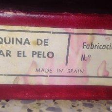 Antigüedades: MAQUINA DE CORTAR EL PELO ANTIGUA. Lote 189878760