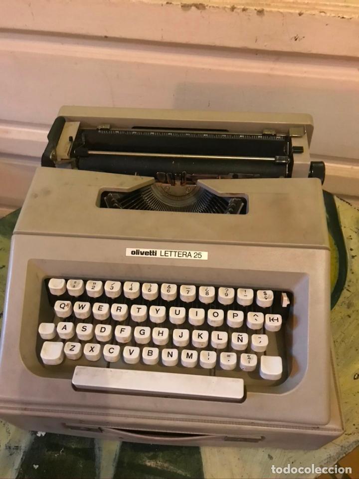 MAQUINA DE ESCRIBIR OLIVETTI LETTERA 25 CON MALETÍN (Antigüedades - Técnicas - Máquinas de Escribir Antiguas - Olivetti)