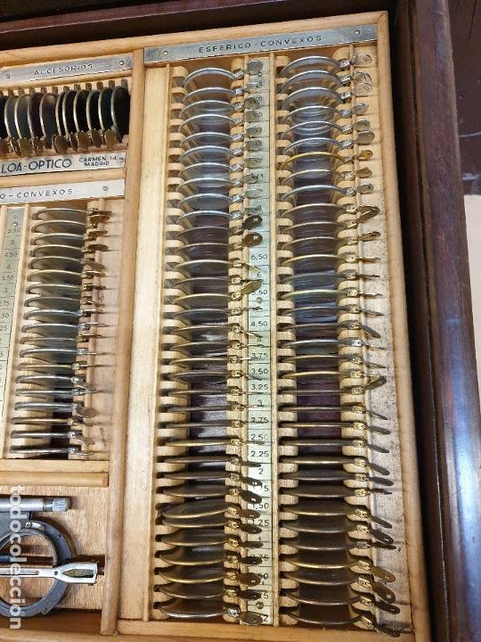Antigüedades: GRAN CAJON DE PERSIANA, LENTES,OPTOMETRIA. OPTICA ULLOA, MADRID - Foto 3 - 190128430