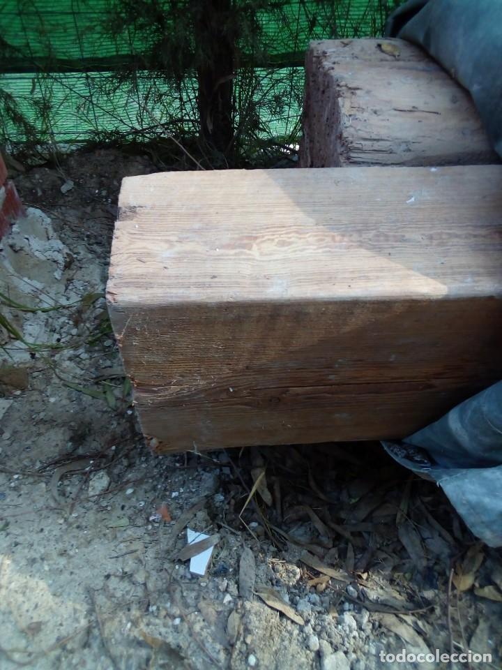 DOS VIGAS DE PINO RIJA EN BUEN ESTADO (Antigüedades - Técnicas - Herramientas Profesionales - Carpintería )
