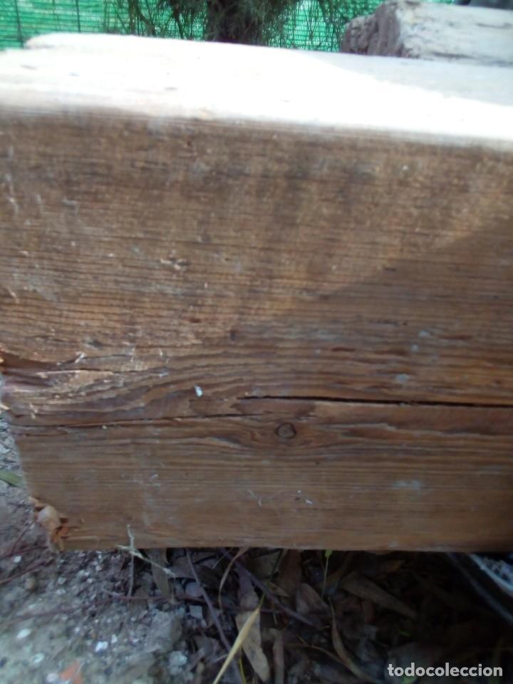 Antigüedades: dos vigas de pino rija en buen estado - Foto 3 - 190138336