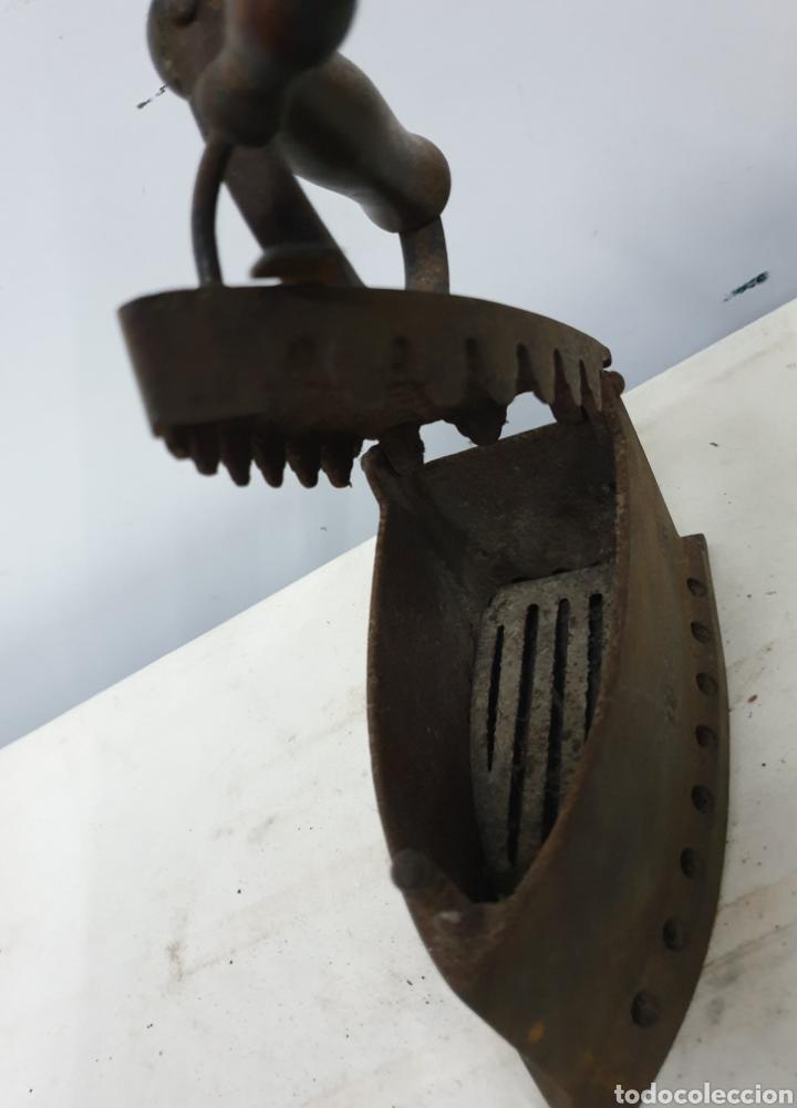 Antigüedades: Plancha de carbón - Foto 6 - 190292043