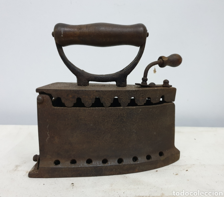 PLANCHA DE CARBÓN (Antigüedades - Técnicas - Planchas Antiguas - Carbón)