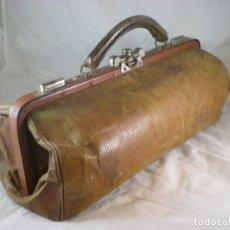 Antigüedades: ANTIGUO MALETÍN DE MÉDICO - 40CM. Lote 190296681