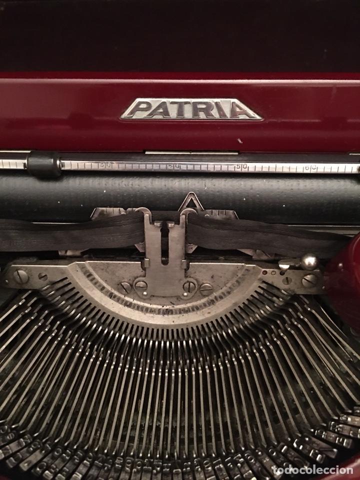Antigüedades: Máquina de escribir PATRIA - Foto 2 - 190352291