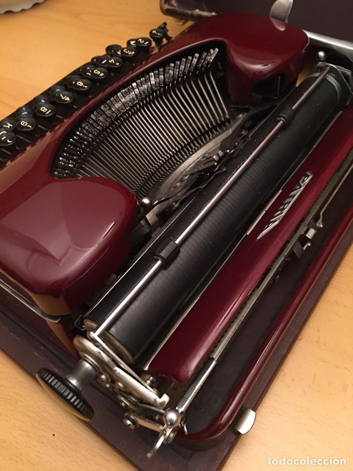 Antigüedades: Máquina de escribir PATRIA - Foto 3 - 190352291